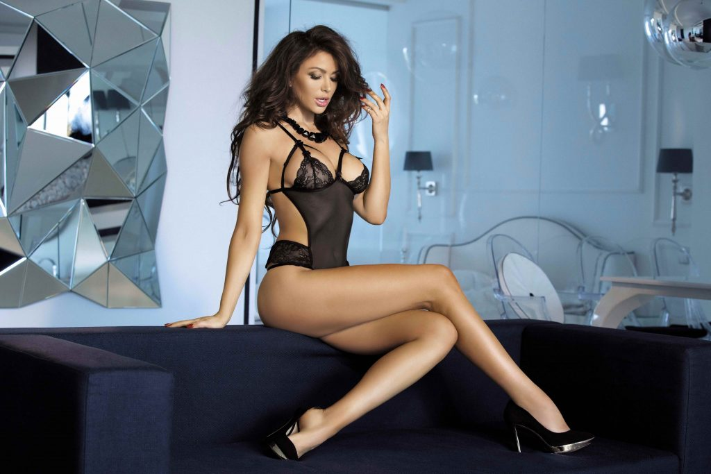 Leggy Brunette From West London Escorts