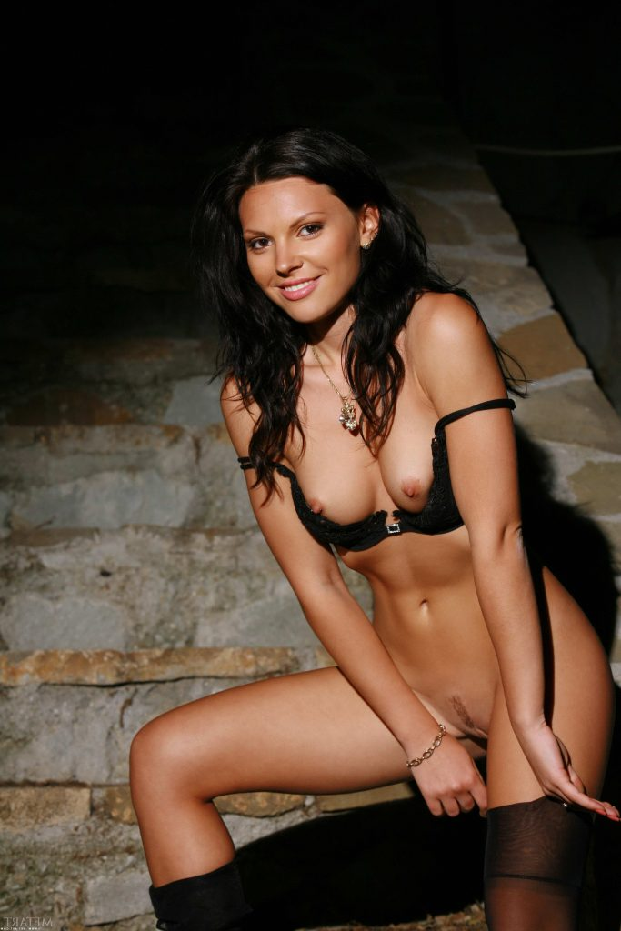 Naked Cute Brunette